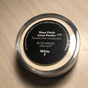 Bobbi Brown Makeup - Bobbi brown translucent powder